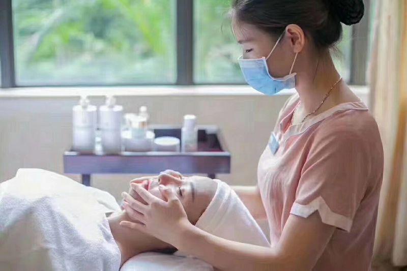 佛山美容师的发展前景怎么样,广州做美容师好不好